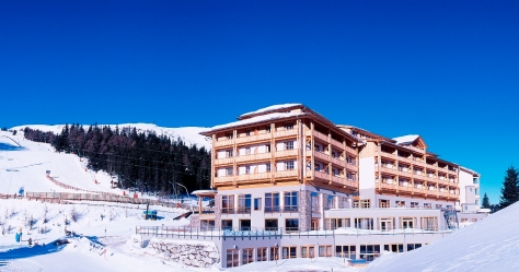 Falkensteiner Family Hotel Cristallo - Außenansicht Winter