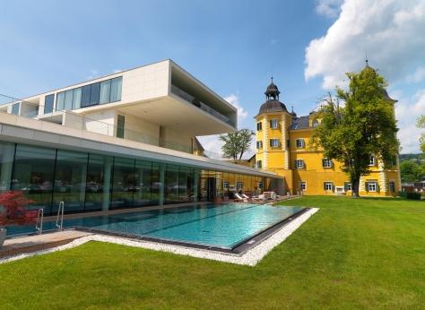 Wellnessbereich Außenansicht - Falkensteiner Schlosshotel Velden
